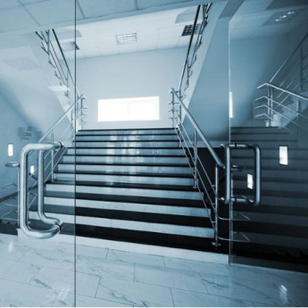 Porte d'entrée en verre