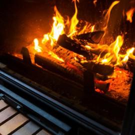 Verre vitrocéramique pour cheminée et poéle
